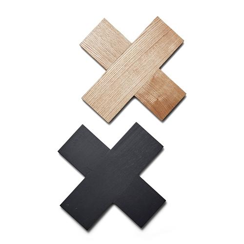 Cross timber trivet